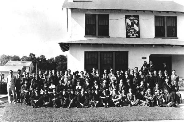 PictureJewish students outside Tau Epsilon Phi fraternity house, 1934. State Archives of Florida.