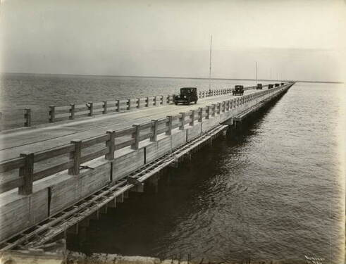 PictureThe Gandy Bridge, which connected Tampa and St. Petersburg, was the site of anti-Semitic signage during the 1920s. State Archives of Florida.